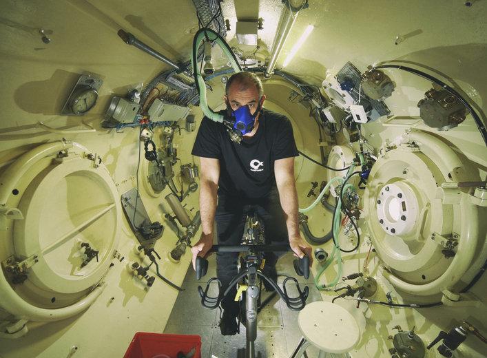 Comex, simulateur de vol, Chambre hypoxique, caisson hypobare, simulateur de vol, hypobare, hypobarie, chambre d'altitude
