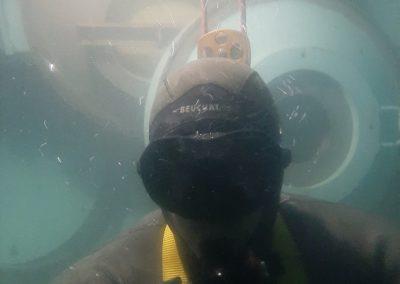 Frederic Swierczynski immergé dans une eau à 2°